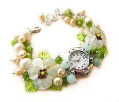 """""""Нежность"""" наручные часы с бусинами лэмпворк - часы,женские часы,часы наручные"""