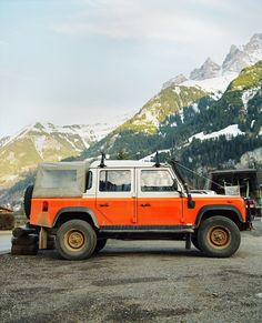 #LandRover #Defender - So you can see the parts of the world that don't have roads. #OffRoad #Adventure #Explore #Challenge #Nature #Travel