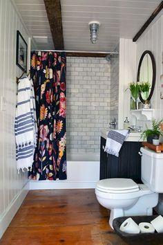 Breathtaking 80 Incredible DIY Bathroom Renovation Ideas https://cooarchitecture.com/2017/05/08/80-incredible-diy-bathroom-renovation-ideas/