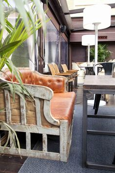 #terraza #restaurante La Misión #Madrid Madrid, Bar Stools, Dining Chairs, Furniture, Home Decor, Summer, Couches, Terrace, Restaurants