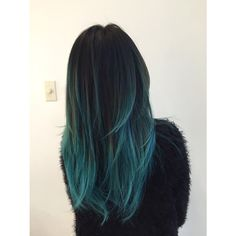 "2 parts Green + 1 part Blue = ""Teal"" II Pravana"