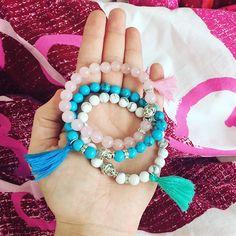Tobě bude slušet! ♥️ Růženín, tyrkys a howlit. K tomu střapec, stříbrný Buddha a stoppery se zirkony {8mm}. #madamgia #ruzenin #tyrkys #howlit #strapec #buddha #rucniprace #rucnivyroba #praha #rosequartz #turquoise #handmade #prague #naramek #bracelet #naturalstone Praha, Buddha, Beaded Bracelets, Jewelry, Fashion, Moda, Jewlery, Jewerly, Fashion Styles