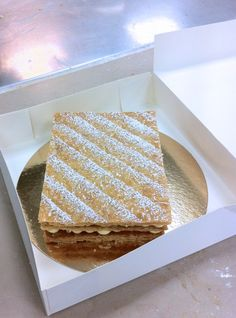 CAP pâtissier, le mille-feuille traditionnel Croissants, How To Memorize Things, Deserts, Dessert Recipes, Ciel, Sweets, Bread, Homemade, Snacks