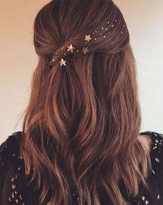 Add tiny gold stars to your hair for a night out. #GlitterHair
