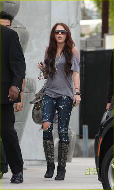 Miley Cyrus shopping in Los Angeles -  January 9, 2010