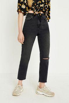 Slide View: 2: BDG – Mom Jeans in Used-Optik in verwaschenem Schwarz