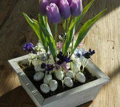 Jarní dekorace s tulipány