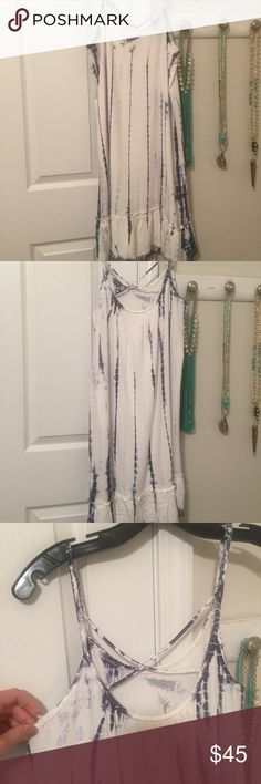 """Boho Chic blue & white tie-dye fall dress💙 size M How gorgeous is this beauty?! I'm kind of obsessed with it, just doesn't fit 😞 fits size 6-8 best and I'm more of a 4-6 😑 I just had to have it so bought anyway! It's super soft! (Rayon). Braided trim. The back is a little lower with a """"X"""" in the strap. Recently purchased from Mercantile boutique in Seaside, FL. 💙💙 Anthropologie Dresses Midi"""