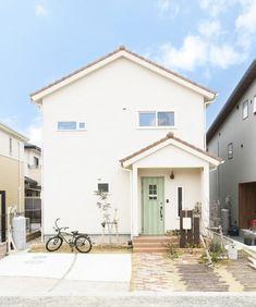 61 Trendy Ideas Design Home Plans Exterior Colors House Balcony Design, Small House Design, Future House, My House, Home Building Design, Minimal Home, Japanese House, Facade House, Exterior Colors
