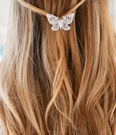 The 'Beauty' hair clip is a stunning piece in our collaboration with Joubi London. Perfect for your wedding day or pair with your LBD for the evening. Boho Wedding Hair, Wedding Hair Clips, Ivory Wedding, Indian Bridal Hairstyles, Wedding Hairstyles For Long Hair, Bridal Comb, Gold Hair, Hair Pictures, Wedding Hair Accessories