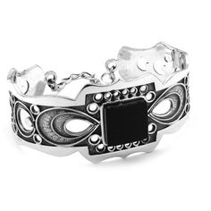 Singular bracelet in sterling silver and jet, handmade in Galicia with traditional methods. Artcraft of The Way of St. Tax Free, Saint James, Jewelry Crafts, Jet, Rings For Men, Arts And Crafts, Traditional, Sterling Silver, Bracelets