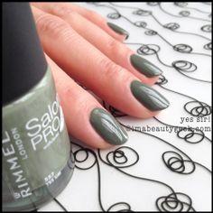 Rimmel Nail Polish Swatches: Salon Pro with Lycra and Kate Moss Rimmel Nail Polish, London Nails, Green Nail Polish, Brand Me, Kate Moss, Makeup Trends, Fun Nails, Beauty Hacks, Beauty Tips