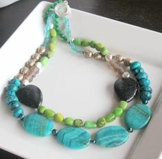 Ultramarine Blue Green double strand layered gemstone beaded statement necklace, Agate, Ruby Zoisite, Chrysocolla, African Trade Beads Californie Eclectic 29 euros