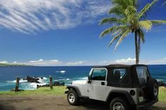 Now this is a vacation!!  Sea Side Jeep in Hawaii :-D
