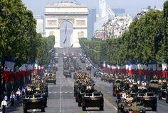 Le traditionnel défilé du 14 juillet 2013 : la parade militaire des soldats français ! Bastille day : french military parade