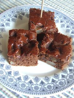 Torta cacao e pere senza zucchero e vegana Veggie Recipes, Sweet Recipes, Cooking Recipes, Healthy Cake, Vegan Cake, Vegan Sweets, Healthy Sweets, B Food, Something Sweet