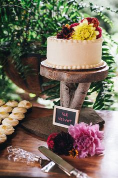 Fall-inspired wedding cake for a rustic vintage outdoor wedding at Hawkesdene House