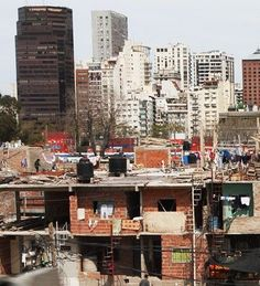 Buenos Aires City surrounded by two million Argentines living in shanty towns — MercoPress