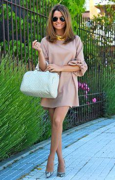 Fashion and Style Blog / Blog de Moda . Post: Romantic dress-blouse / Vestido blusón con toque romántico .More pictures on/ Más fotos en : http://www.ohmylooks.com/?p=22737 .Llevo/I wear : Dress-blouse / Vestido-blusón  : Oh My Looks Shop ( info@ohmylooks.com) ; Bag / Bolso : Louis Vuitton ; Shoes / Zapatos : Pilar Burgos limited edition ; Sunglasses / Gafas de sol : Rayban