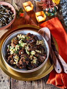 Oxtails with Sumac-Apple Relish Dutch Oven Recipes, Beef Recipes, Vegetarian Recipes, Fresh Chives, Weeknight Dinners, Chilis, Curries, Bon Appetit, Casseroles