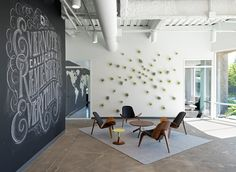 I want to work here purely based on the office!!! [Evernote Offices Designed With Creative Details]