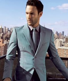 Noah Mills model. Men suit. Summer men fashion