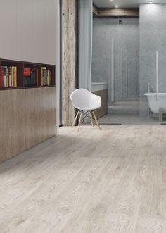 #Suelo #laminado Roble Zorba de la colección Alfa de Kronopol. Tiene un acabado muy natural y luminoso. Ideal para una #decoración moderna y minimalista.   #homedesigne #diseño #interiorismo #home #hogar