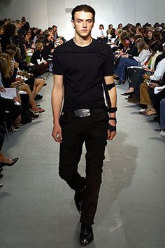 Helmut Lang Spring/Summer 2004 Paris....long missing Helmut's influence in fashion.....Wish he would return and dress us again!