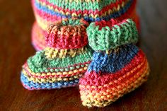 Easy Baby Booties pattern by Michelle of Ooo Baby Knits