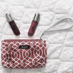 Vocês sabiam que a @revlonbrasiloficial também tem coleção de batom mate? Quem ai quer #swaches ? . . . #revlonbrasil #revlon #batonmate #mattelips #lipstick #makeup #maquiagembrasil #makeupbrasil #taclabeauty #lovemakeup