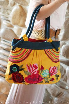 Pin It to Win It Giveaway from Brave Girls Club (love this embroidered purse)