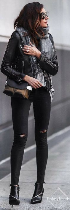 Rag and bone winter // fashion look by erica hoida edgy styl Fashion Tips For Women, Trendy Fashion, Womens Fashion, Fashion Trends, Fashion Inspiration, Fashion Ideas, Winter Fashion Looks, Autumn Fashion, Fall Outfits