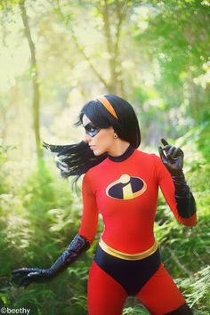 Violet....if i had the costume and an orange headband, I could totally be her lol I have the right hair for it