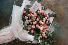 Contact : lizi@liziday.com _ _ _ #flowers #liziday #flowergift #gift #koreaflower #koreanflorist #florist #flowerarrangement #flowerbox #handtied #꽃다발 #꽃다발포장 #flowerclass #flowershop #flowerwrapping #wrapping #bouquet #플로리스트 #리지데이 #koreanflorist #kstyleflower #koreanflower #kstylewrapping #gifts #giftideas