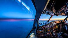 オランダのパイロット兼写真家の Martijn Kort 氏が、機長を務めるボーイング737−800のコックピットから撮影したのがこの写真シリーズ「Aviation」です。1万メートル以上の上空で見る夕日やコックピットの様子な...