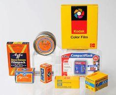 Treffen der Generationen:  AGFA Isochrom Filmpack 6x9cm (Verfall Sep. 1934) AGFA Agfacolor CT18 / 135-36 (Verfall März 1972) AGFA Isopan F / 135-17m (Verfall Aug. 1954) AGFA Agfacolor CN14 / 135-20 (Verfall Jul. 1965) Kodak Ektachrome 50 / 9x12cm (Verfall Mai 1978) Delkin Devise CompactFlash Card 64MB (noch nicht verfallen, Jahrgang 2006) Kodak Ektachrome 64 / EPR 120 (Verfall Apr. 1984) Kodak Ektachrome 200 / ED 135-36 (Verfall Mai 1988)