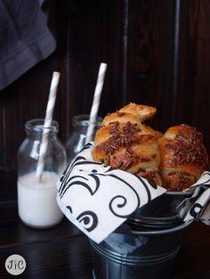 Jaleo en la Cocina: Fáciles, rápidos y deliciosos: Croissants de chocolate