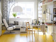 Idées sympa de déco salon pour un petit logement étudiant en pleine ville