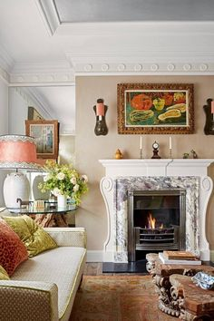 The architect and designer Giles Vincent has reconfigured the rooms of his west London town house to set off a rich mix of inherited and collected antiques Georgian Terrace, Georgian Townhouse, London Townhouse, London House, Georgian House, West London, South London, Small Rooms, Small Spaces