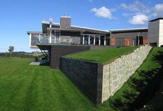 Coastal Northland bach by Main 4 Architects Ltd Lake Houses, Kiwi, Architects, Maine, Coastal, Mansions, House Styles, Beach, Home Decor