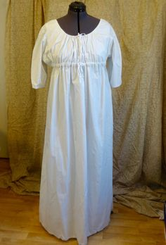 """Readymade Regency Simple Drawstring Gown, White With Black Dots, 48""""-52"""" Bust"""