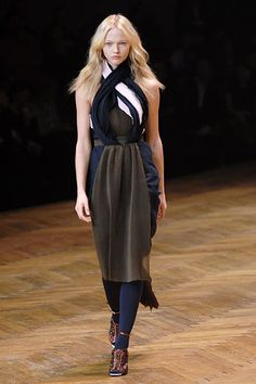 Givenchy Fall 2007 Ready-to-Wear Fashion Show - Catherine McNeil