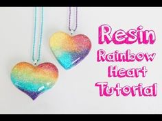 Tutorial de resina: Corazon de arcoiris - Resin tutorial: Rainbow heart charm - YouTube