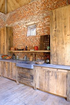 Dirk Cousaert - Meubelen Design & Creatie - Kitchen old oak - Discover more at www.dirkcousaert.be