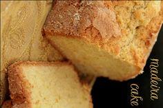 Madeira cake już w piecu a po domu rozchodzi się cudowny, maślany zapach domowego ciasta :) a piekarz otwiera Ciderka :) czas zacząć weekend!