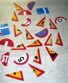 Halve verkeersborden samenzoeken