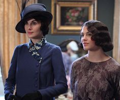Lady Mary and Sister Sibel season 3 episode 1