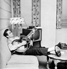 If there is one person that I look up to and would have loved to spend time with it's this man. Mr. Johnny Cash.