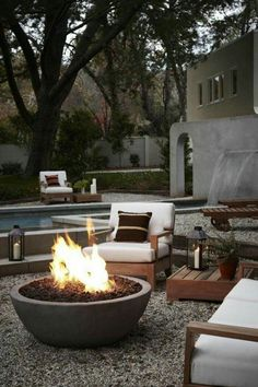 43 Outdoor Fire Pit Seating Design Ideas for Backyard