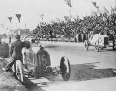 Immagine1916 - Vanderbilt Cup - Santa Monica John Aitken (Peugeot n°16) in the pit and Earl Cooper (Stutz)